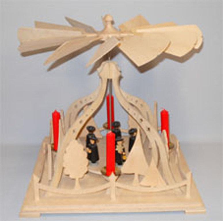 laubs gevorlage f r eine kurrendes ngerpyramide die. Black Bedroom Furniture Sets. Home Design Ideas